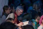 Слушатели в ходе второго дня учений Его Святейшества Далай-ламы, предваряющих посвящение Калачакры. Бодхгая, штат Бихар, Индия. 6 января 2017 г. Фото: Тензин Чойджор (офис ЕСДЛ)