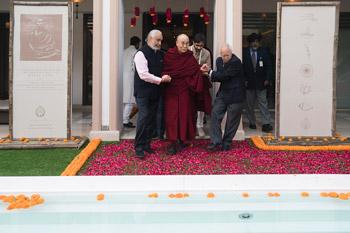 Далай-лама даровал в Дели учения просьбе фонда «Видьялока»