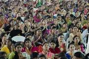 Үндэсний эмэгтэйчүүдийн парламентийн анхдугаар их хуралд оролцож үг хэллээ. Энэтхэг, Андра Прадеш, Амравати
