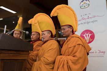 В Дхарамсале состоялось празднование Дня явления чудесных сил Будды