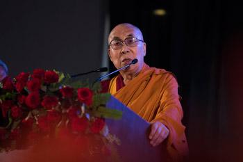 Далай-лама выступил на открытии международной конференции «Актуальность буддизма в 21-м веке»
