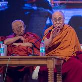 Дээрхийн Гэгээнтэн Далай Лам Нава Наланда сургуульд айлчилж, Олон улсын буддын хуралд хоёр дахь өдрөө оролцов