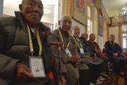 Бывшие сотрудники службы безопасности Его Святейшества Далай-ламы во время церемонии подношения молебна о долгой жизни Далай-ламы. Дхарамсала, Индия. 15 марта 2017 г. Фото: Лобсанг Церинг (офис ЕСДЛ)