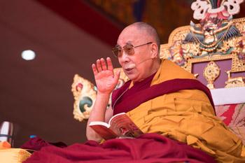 О первом дне учений Его Святейшества Далай-ламы в Таванге