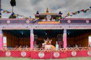 Вид на сцену в Парке Будды, где были организованы учения Его Святейшества Далай-ламы. Бомдила, штат Аруначал-Прадеш, Индия. 5 апреля 2017 г. Фото: Тензин Чойджор (офис ЕСДЛ)