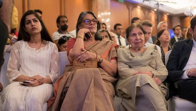 Далай-лама встретился с сотрудниками газеты «Индийский курьер»
