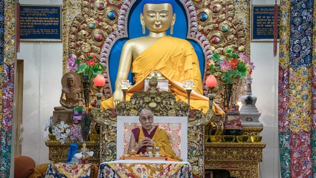 В начале священного месяца Сага Дава Далай-лама даровал посвящение Авалокитешвары