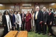 Дээрхийн Гэгээнтэн Далай Лам хатагтай Нанси Пелоси тэргүүтэй Америкийн төлөөлөгч нарын хамт. Энэтхэг, ХП, Дарамсала. 2017.05.09. Гэрэл зургийг Тэнзин Чойжор (ДЛО)