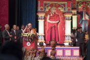 Дээрхийн Гэгээнтэн Далай Лам Карнатака мужаас зохион байгуулж буй ноён Амбедкарын 125 жилийн ойн хуралд үг хэлж байгаа нь. Энэтхэг, Карнатака, Бангалор. 2017.05.23. Гэрэл зургийг Тэнзин Чойжор (ДЛО)