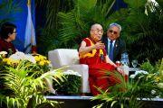 Дээрхийн Гэгээнтэн Далай Лам асуулт хариулт явуулахыг хүсэв. АНУ, Калифорниа, Сан Диего. 2017.06.16. Гэрэл зургийг Жереми Рассел (ДЛО)