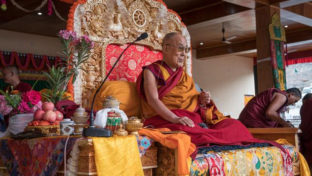 В монастыре Дискет провели молебен о долголетии Далай-ламы, а он даровал разрешение на практику Авалокитешвары