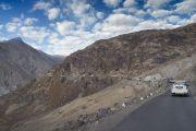 Кортеж Его Святейшества Далай-ламы направляется из долины Нубра в Ле. Штат Джамму и Кашмир, Индия. 15 июля 2017 г. Фото: Тензин Чойджор (офис ЕСДЛ)