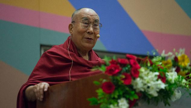 Далай-лама принял участие в запуске программы изучения светской этики в высших учебных заведениях в Институте социологии Тата