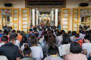 Вид на зал собраний главного тибетского храма во время третьего дня четырехдневных учений Его Святейшества Далай-ламы, организованных по просьбе буддистов из Юго-Восточной Азии. Дхарамсала, Индия. 31 августа 2017 г. Фото: Тензин Чойджор (офис ЕСДЛ)