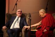 """Дээрхийн Гэгээнтэн Далай Лам """"Энэрэнгүй үйл хэрэг"""" сэдэвт илтгэл тавих үеэр. Нэгдсэн Вант улс, Хойд Ирланд, Дерри. 2017.09.10. Гэрэл зургийг Жерреми Рассел (ДЛО)"""