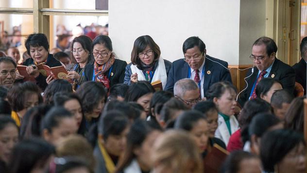 Далай-лама даровал учения по сочинению Чже Цонкапы «Три основы пути»