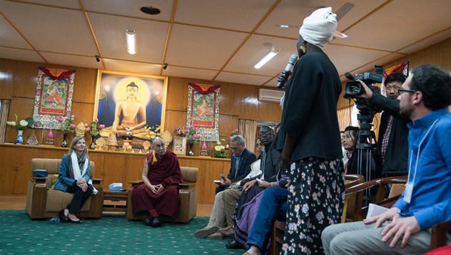 Тэмцэл тулаантай бүс нутгийн төлөөлөгчид Дээрхийн Гэгээнтэн Далай Ламтай уулзав