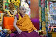 Его Святейшество Далай-лама во время церемонии приветствия в монастыре Дрепунг Лачи. Мундгод, штат Карнатака, Индия. 11 декабря 2017 г. Фото: Лобсанг Церинг.