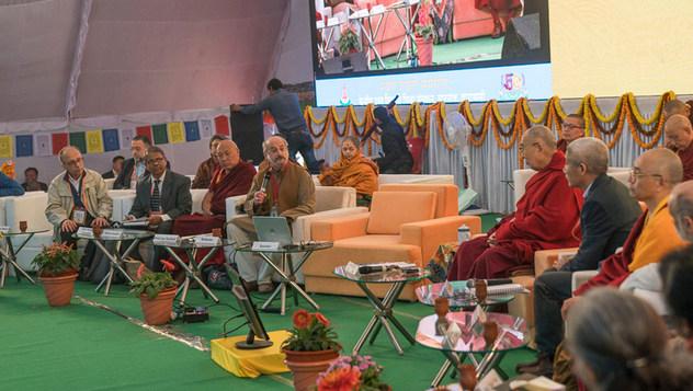 В Сарнатхе прошел второй день конференции по вопросам ума в свете воззрений индийских философских школ и современной науки