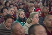 Слушатели в зале во время конференции по вопросам ума в индийских философских школах мысли и современной науке, организованной в Центральном институте высшей тибетологии. Сарнатх, Варанаси, Индия. 30 декабря 2017 г. Фото: Лобсанг Церинг.