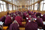 Дээрхийн Гэгээнтэн Далай Лам гэлэн санваар хүртээлээ