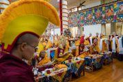 Старшие представители основных школ тибетского буддизма участвуют в молебне о долгой жизни Его Святейшества Далай-ламы. Дхарамсала, Индия. 1 марта 2018 г. Фото: Тензин Чойджор.