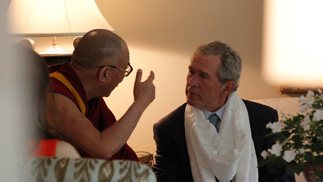 Далай-лама выразил соболезнования президенту Бушу