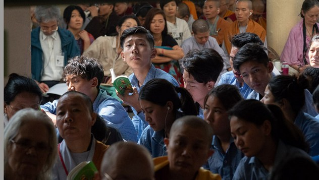 О втором дне учений Его Святейшества Далай-ламы для школьников и студентов в Дхарамсале