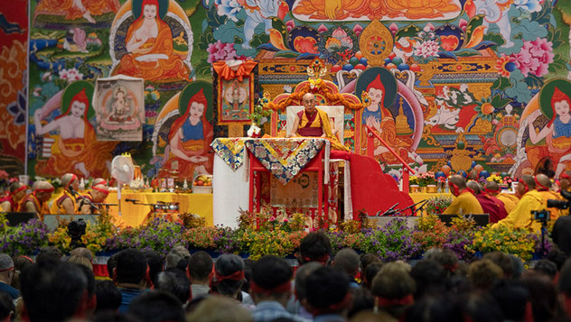 Заключительный день учений Далай-ламы в Риге