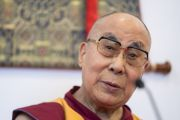 Его Святейшество Далай-лама дает пресс-конференцию в зале «Сконто». Рига, Латвия. 16 июня 2018 г. Фото: Тензин Чойджор.