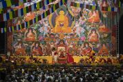 Вид на сцену зала «Сконто» во время первого дня учений Его Святейшества Далай-ламы для стран Балтии и России. Рига, Латвия. 16 июня 2018 г. Фото: Тензин Чойджор.