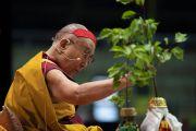 Его Святейшество Далай-лама проводит подготовительные ритуалы для посвящения Тысячерукого Авалокитешвары во время заключительного дня учений для стран Балтии и России. Рига, Латвия. 18 июня 2018 г. Фото: Тензин Чойджор.