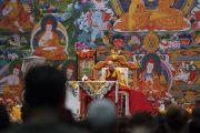 Его Святейшество Далай-лама во время заключительного дня учений для стран Балтии и России. Рига, Латвия. 18 июня 2018 г. Фото: Тензин Чойджор.
