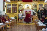 Его Святейшество Далай-лама выступает с обращением во время церемонии приветствия в своей резиденции. Ле, Ладак, штат Джамму и Кашмир, Индия. 3 июля 2018 г. Фото: Тензин Чойджор.
