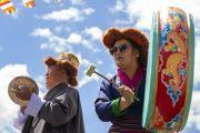 Музыканты исполняют мелодию во время торжеств, организованных на площадке учений в Шивацель по случаю 83-летия Его Святейшества Далай-ламы. Ле, Ладак, штат Джамму и Кашмир, Индия. 6 июля 2018 г. Фото: Тензин Чойджор.